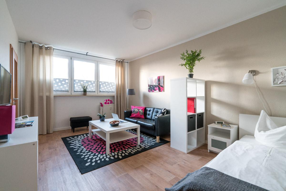 m bliertes wohnen in rostock. Black Bedroom Furniture Sets. Home Design Ideas